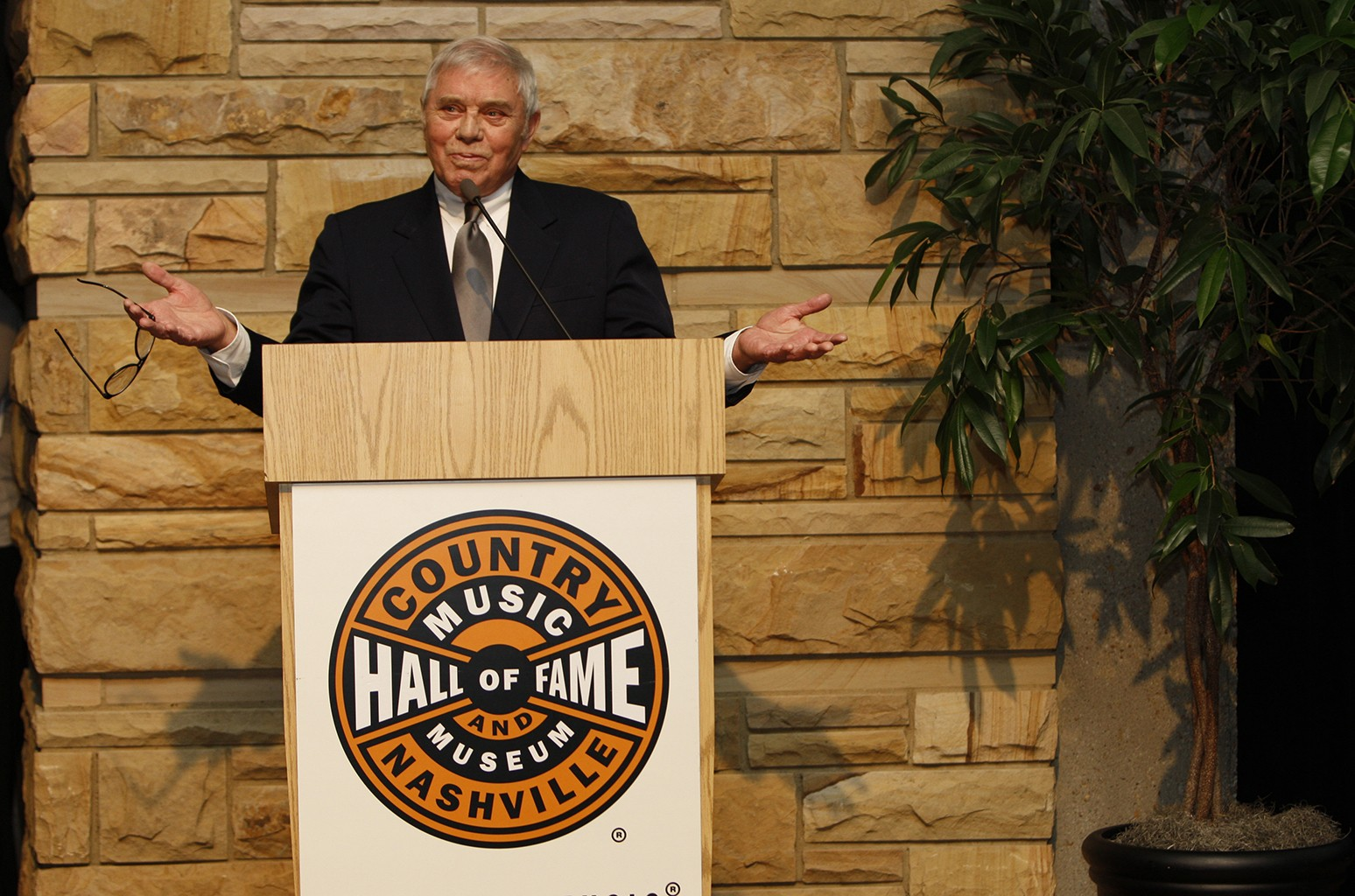 Tom T. Hall Dead: Country Singer/Songwriter Was 85