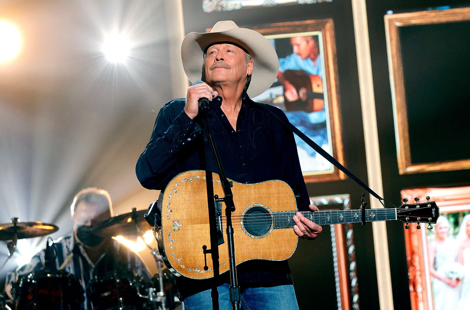 Alan Jackson Reveals Battle With Charcot-Marie-Tooth Disease